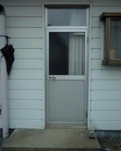 アルミの勝手口ドア